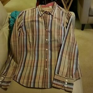 Izod plaid button front long sleeve shirt